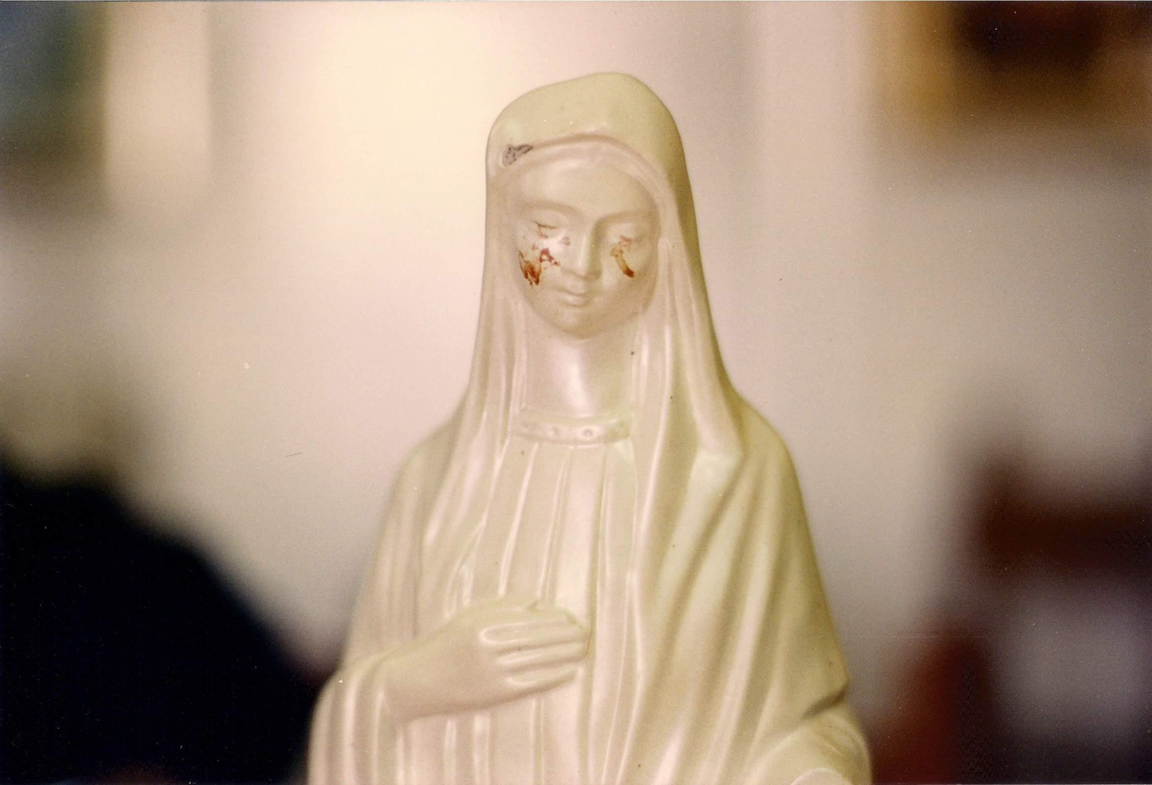 Virgen de la Paz de Civitavecchia, lloró en manos del Obispo que la quería destruir, Italia (2 feb)