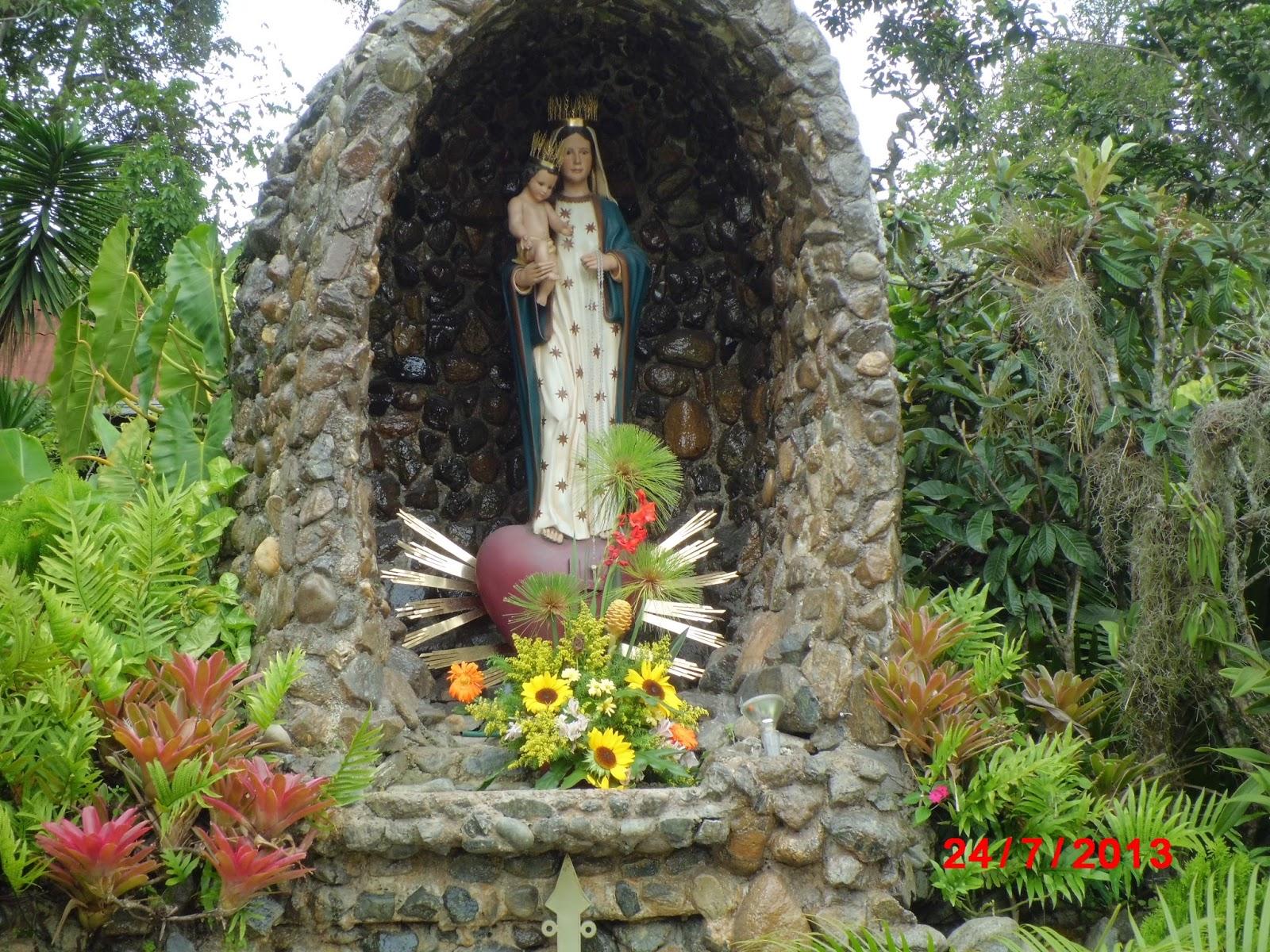 Madre de las Almas Consagradas, Aparición con escarchas