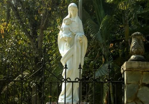 estatua de la reconciliadora en parque