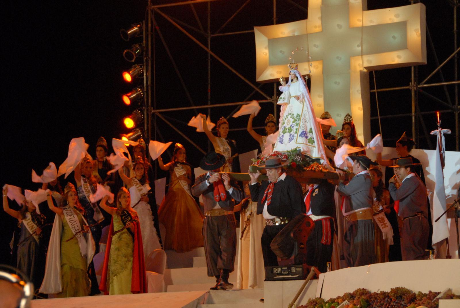 Nuestra Señora de la Carrodilla, Protectora de los Viñedos, Mendoza, Argentina (15 mar)