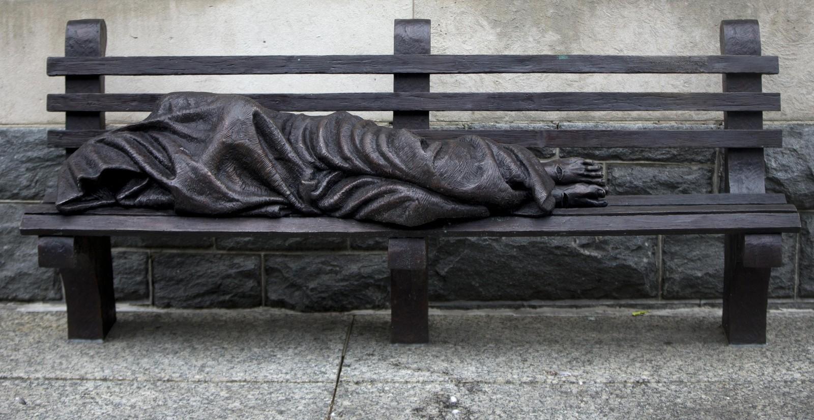 La Escultura Jes 218 S Sin Techo Al Final Lleg 243 Al Vaticano