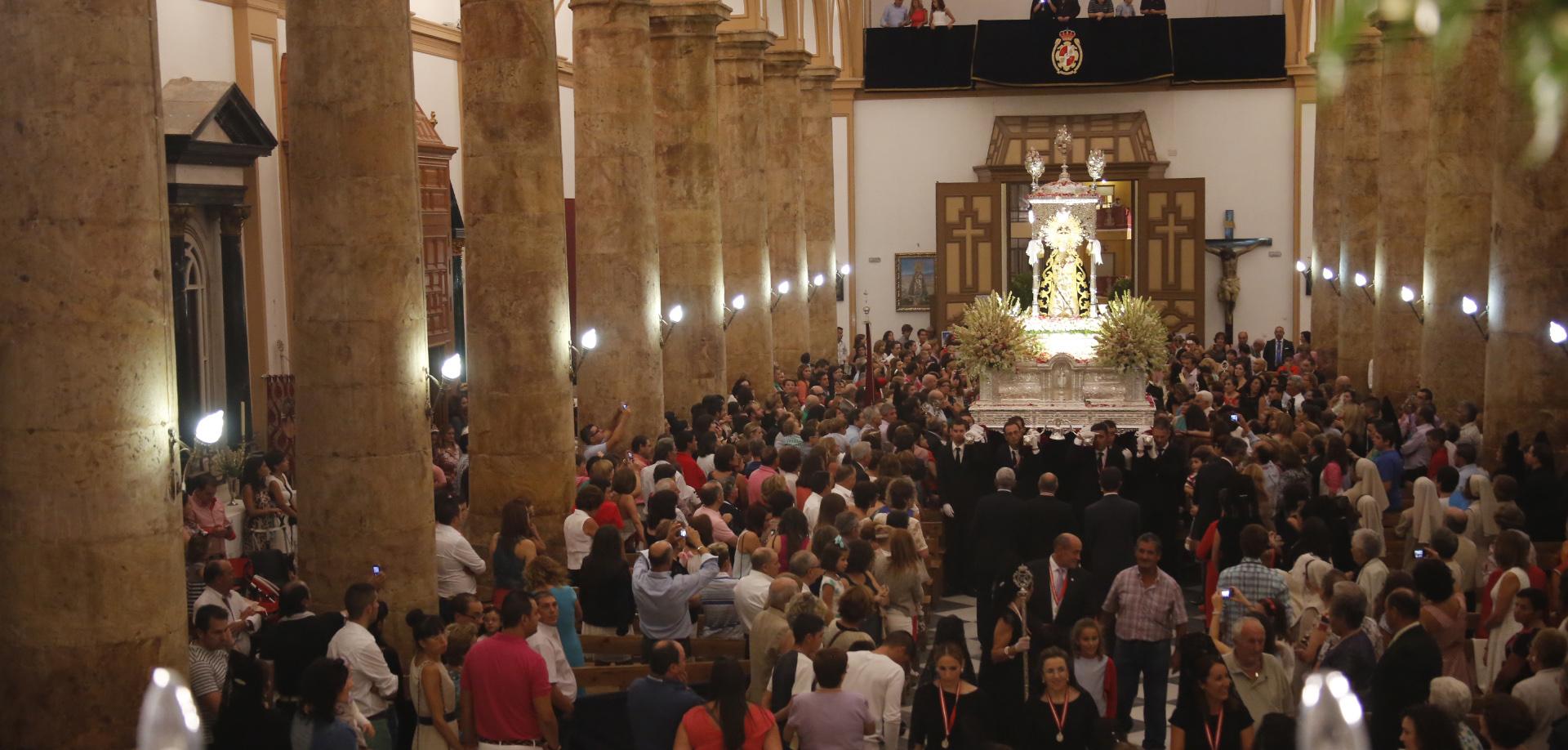Célebre por las Bajadas de su Ermita: Virgen de Gador, Almería, España (2do dgo Cuaresma, 1er quin setiembre)