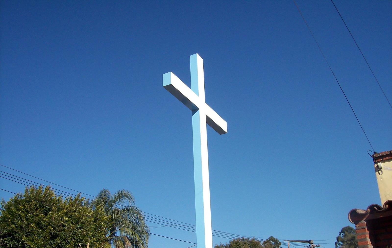 La Cruz Gloriosa de Dozule, Jesús la Llamó a Construir Cruces Gigantescas, Francia (12 abr)