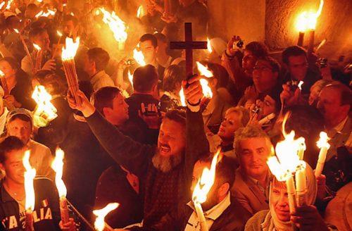 encendiendo fuego santo