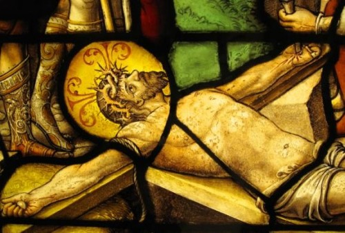 jesus siendo crucificado vitral