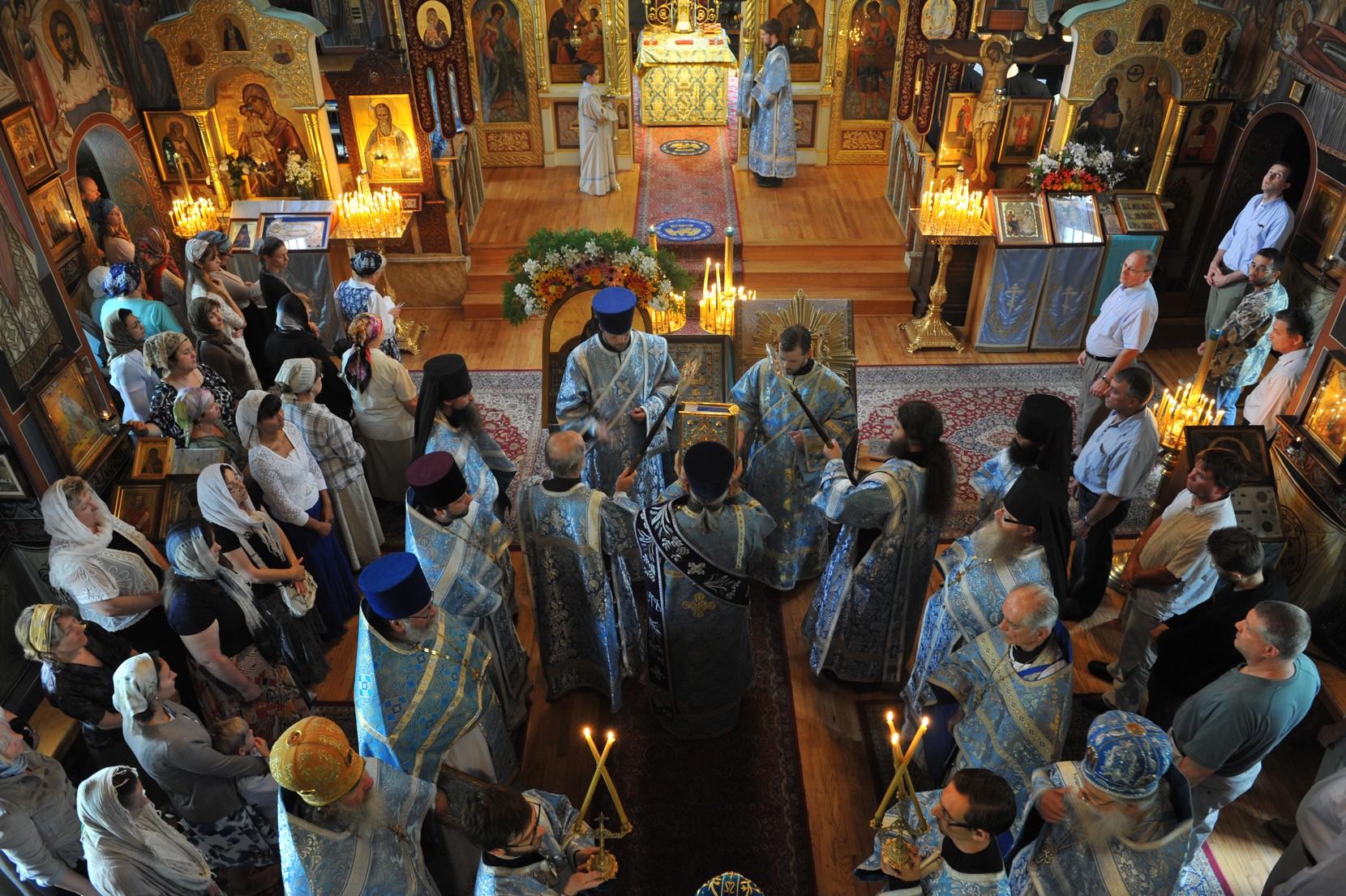 Madre de Dios de Pochaev, Apareció fuente con Agua Sanadora, Rusia (17 abr, 21 sep)