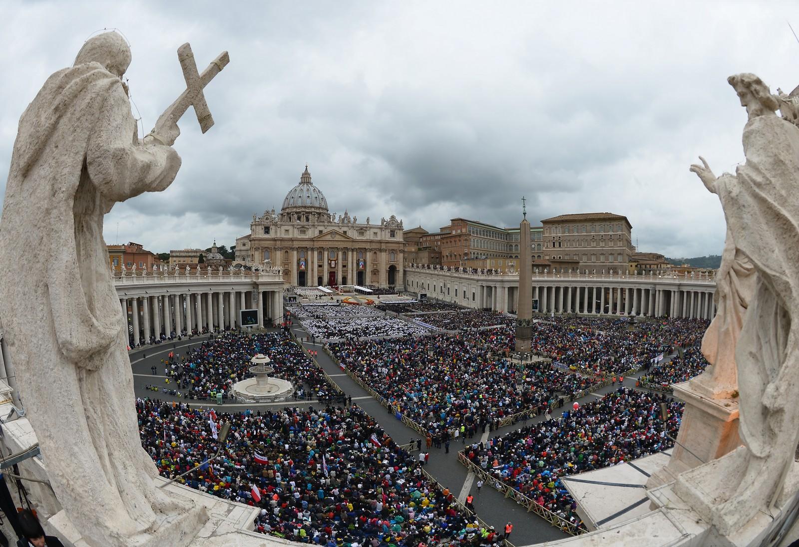 10 Milagros e historias impresionantes de Papas y Mitos de la Iglesia