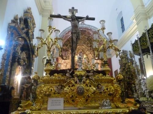 cruz en una iglesia fondo