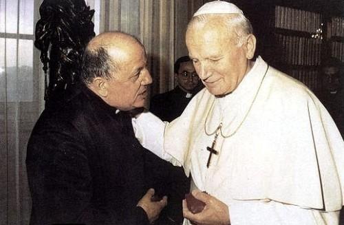 padre gobbi y Juan Pablo II