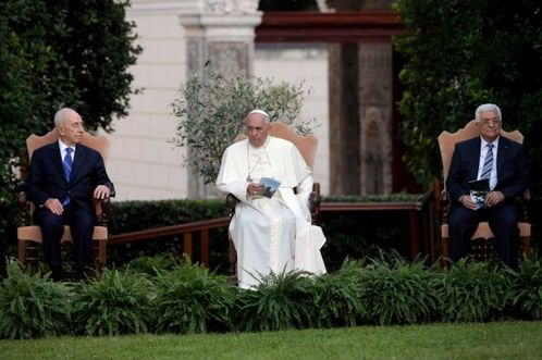 peres abbas francisco en el vaticano