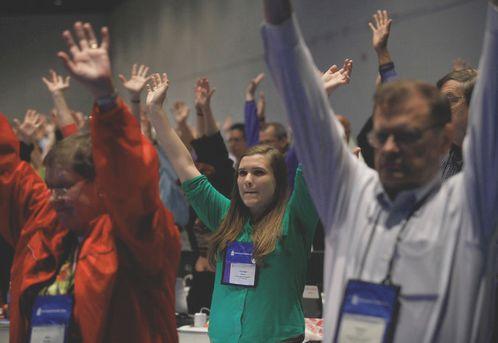 presbiterianos votando a favor del matrimonio gay