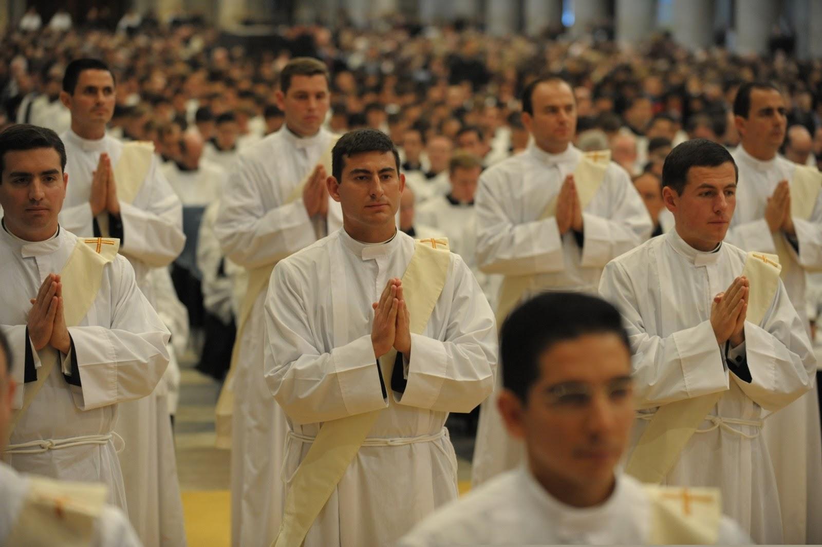 ¿Cómo Pudo Suceder que 4 Papas No Descubrieron el Mayor Escándalo de la Iglesia?