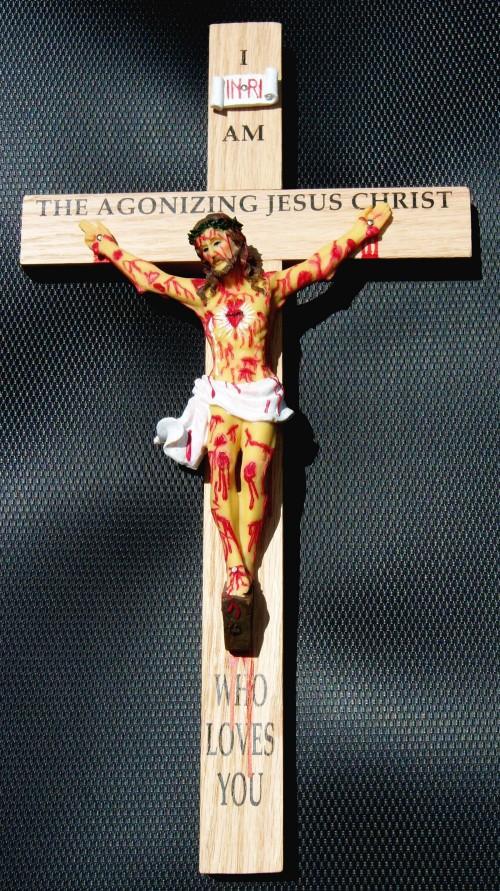crucifijo de jesus agonizante
