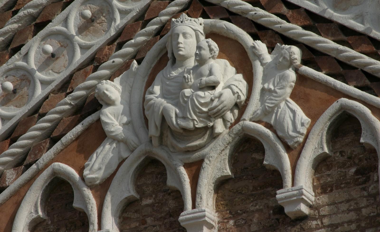 Nuestra Señora del Huerto, Aparece para Sanar de la Peste, Italia (2 jul)