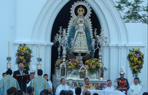 salida templo virgen del aguila