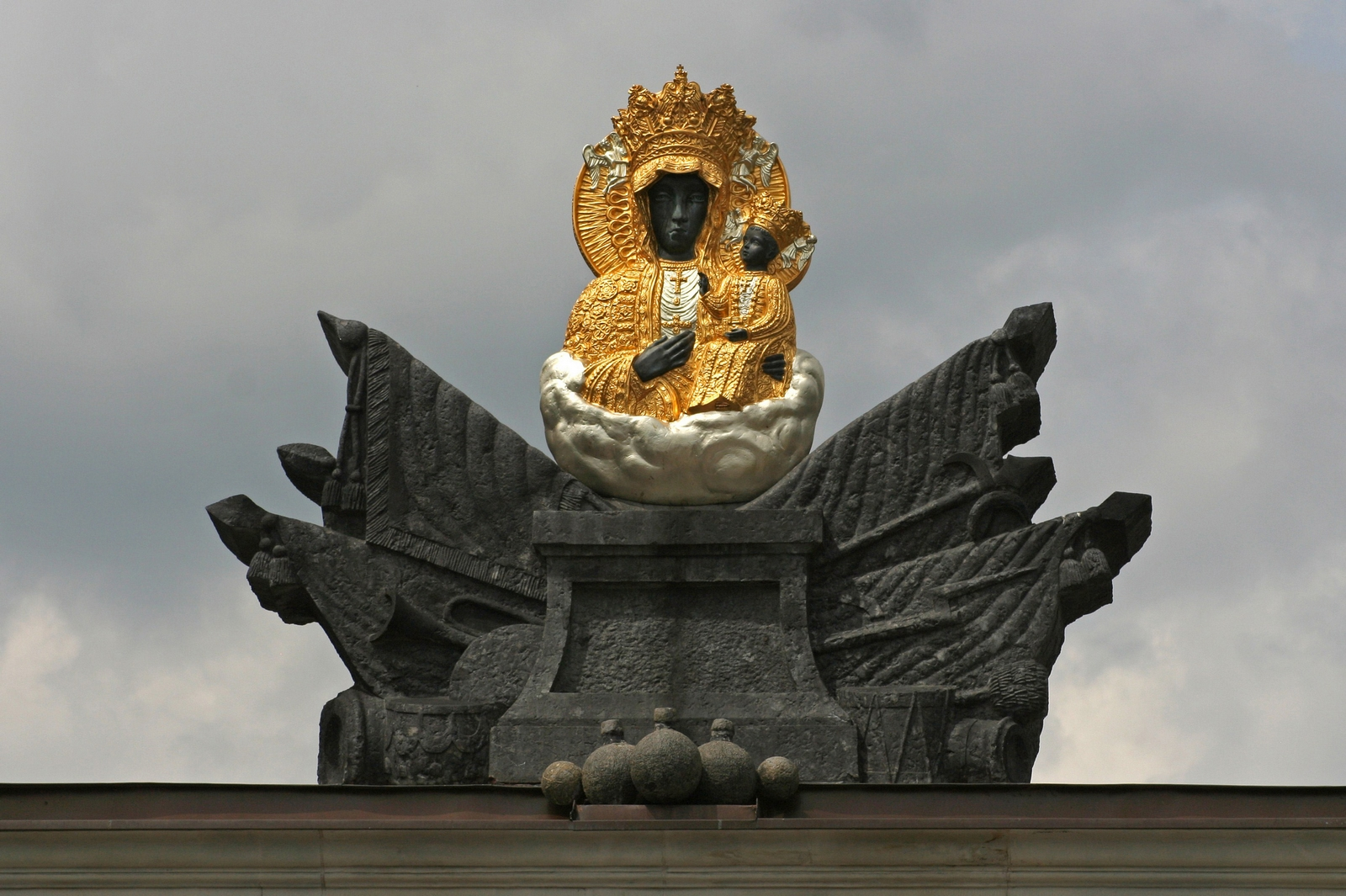 Virgen de Czestochowa, la Milagrosa Devoción de Juan Pablo II, Polonia (26 ago, 19 mar)