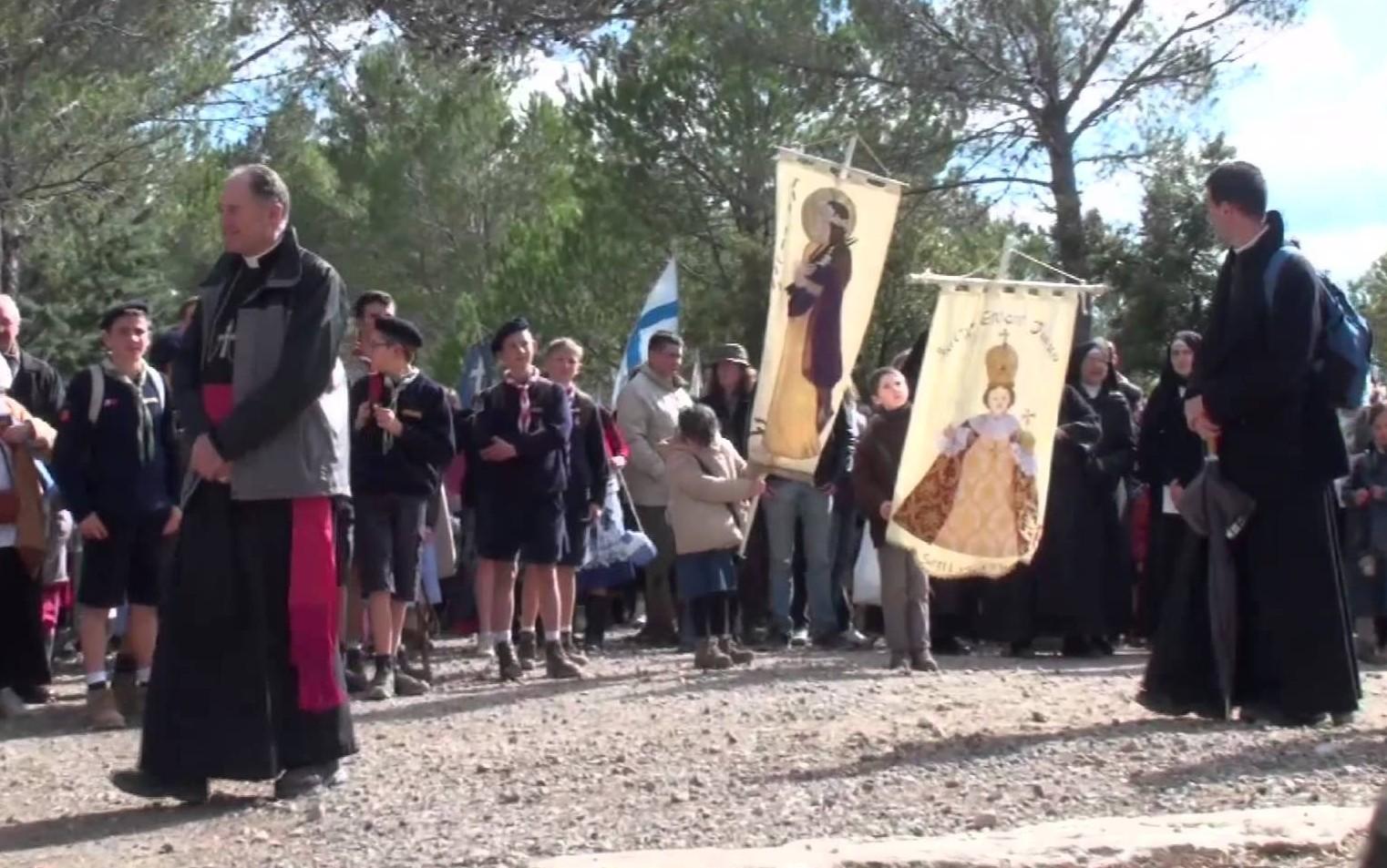 Nuestra Señora de las Gracias de Cotignac, Aparición de María y San José, Francia (10 ago, 7 jun)