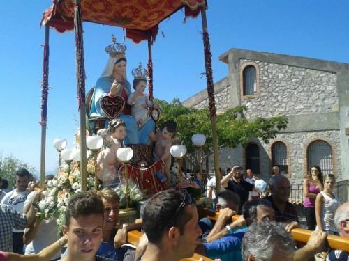 procesion roccafiorita