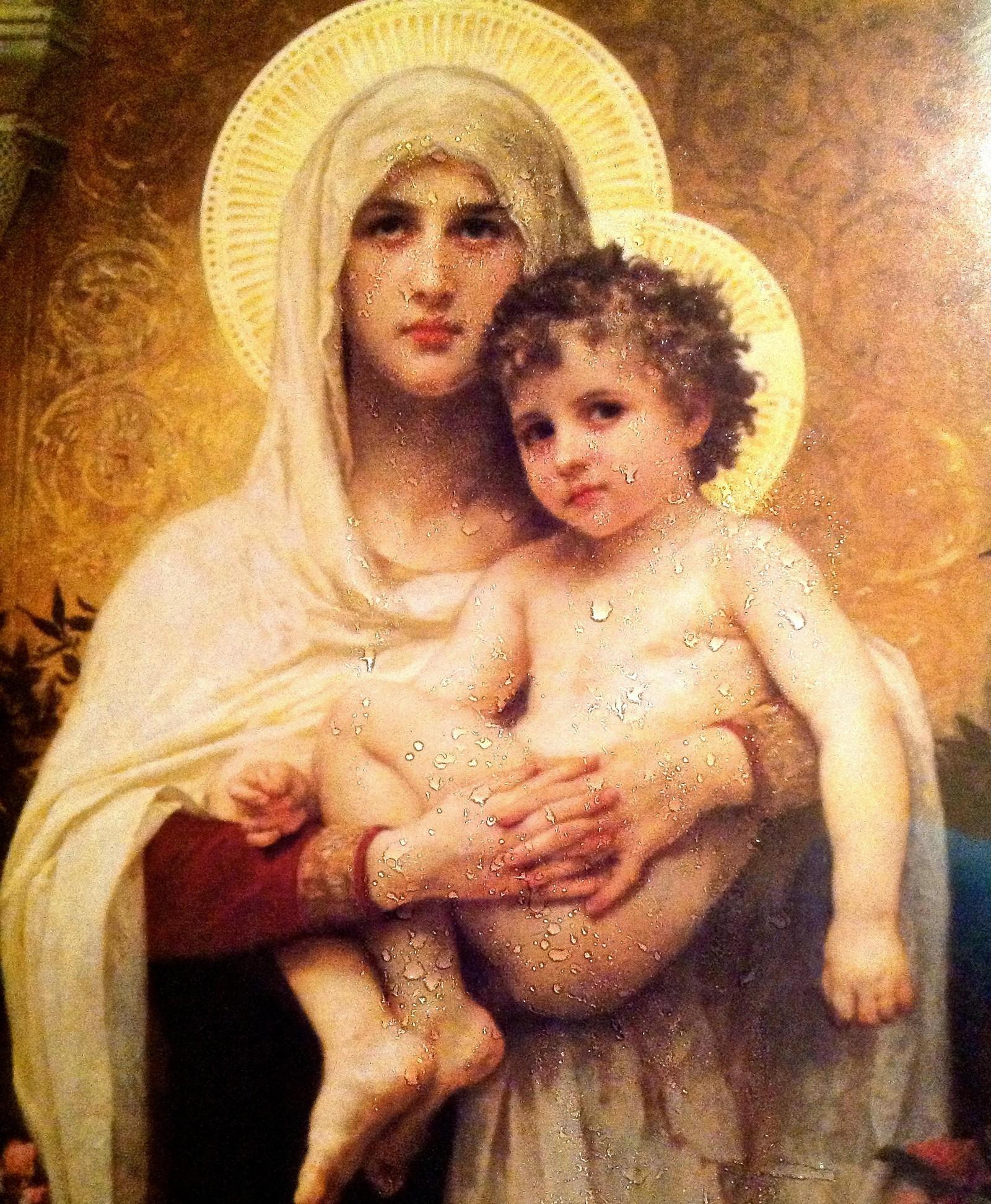 El Misterio de las Imágenes religiosas que Lloran y Exudan óleo