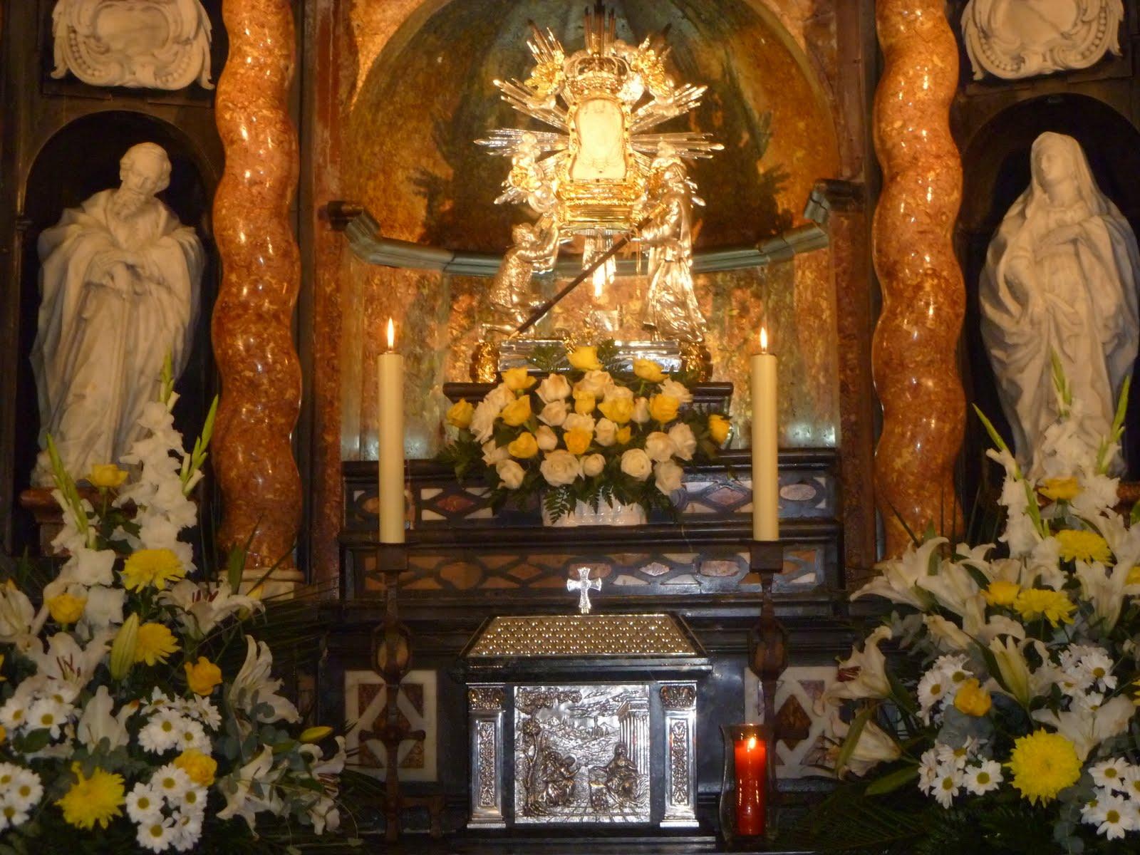 Un Lugar con Agua Milagrosa: Virgen de la Cueva Santa, España (últ dom abr, 7 sep)