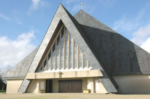 fachada de santuario de kerizinen fondo