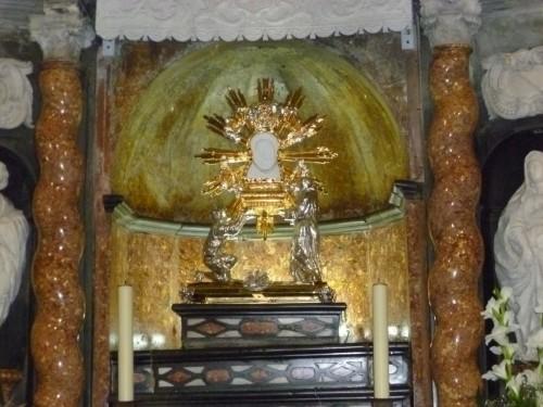 imagen peregrina de la cueva santa fondo