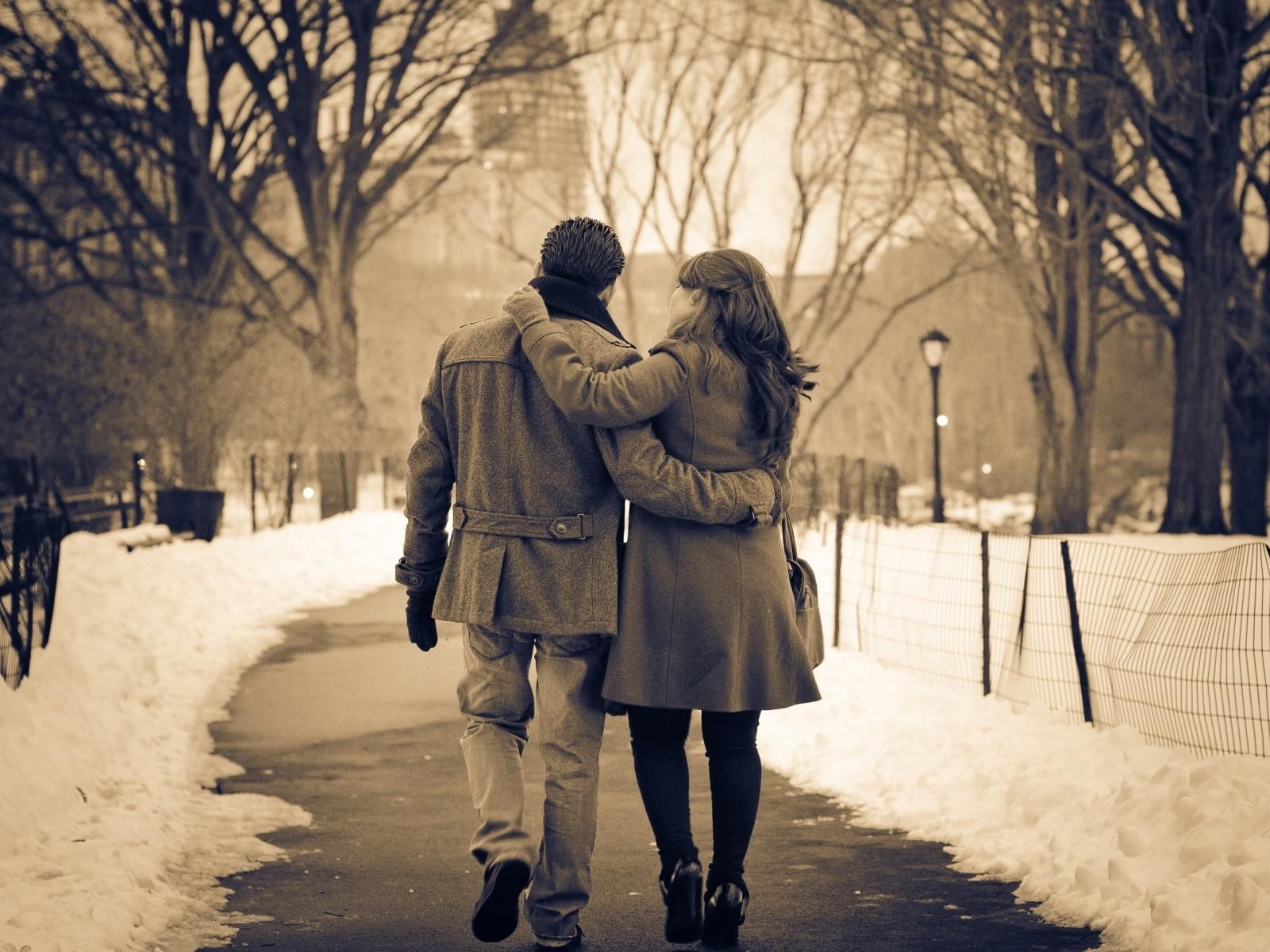10 Consejos de cómo un Hombre Católico Debe Tratar a su Esposa, y ella a él