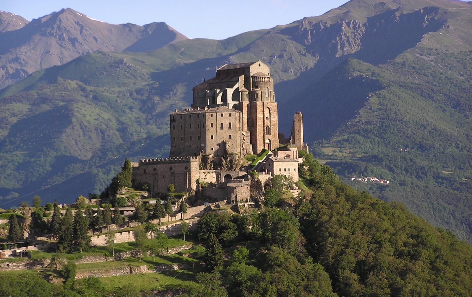 Las Más Famosas Apariciones de San Miguel Arcángel, en Gargano, Italia (29 sep, 8 may)