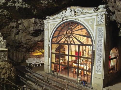 Santuario de la Cueva Santa, Altura