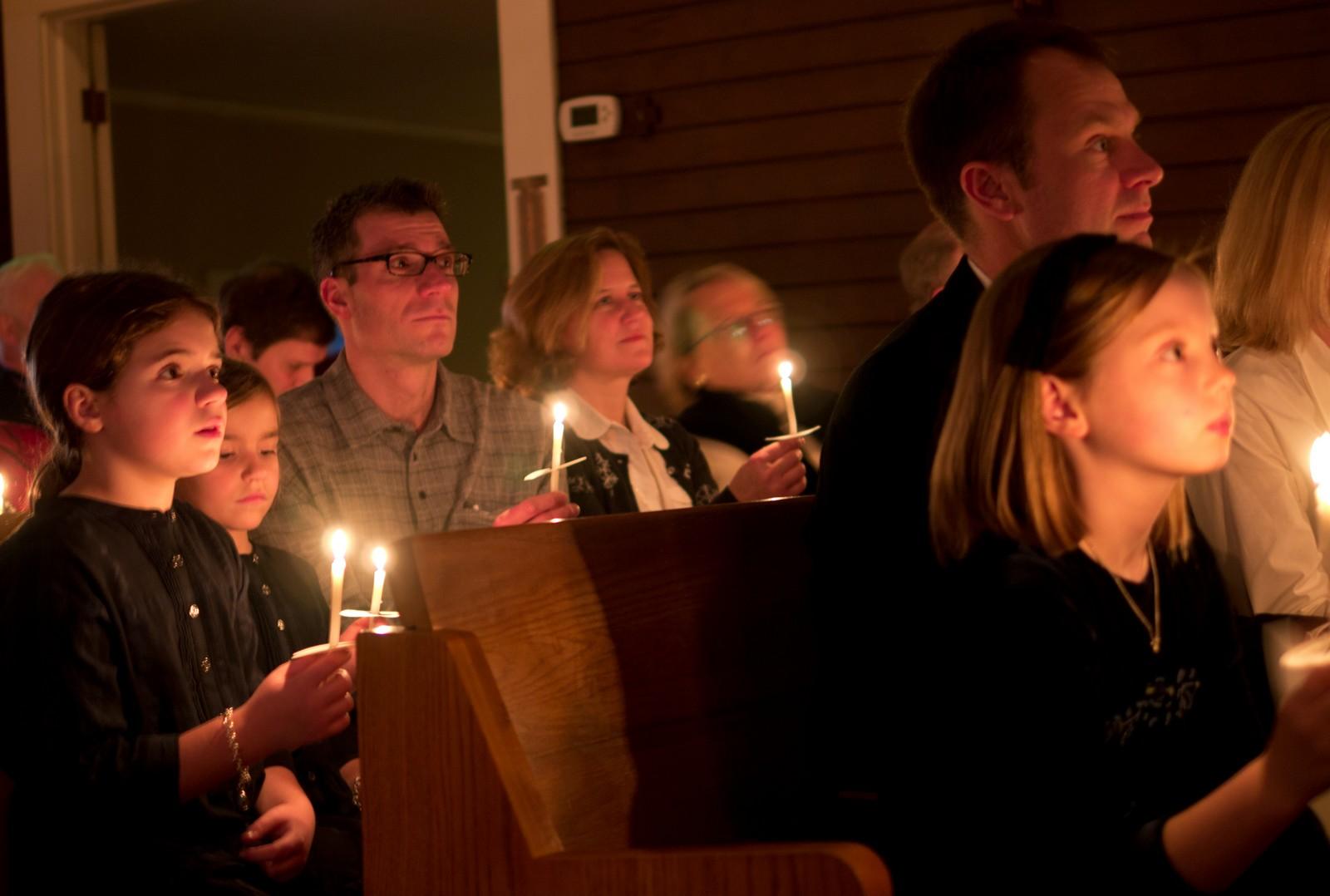 20 Consejos para los Padres que Van a Misa con sus Niños