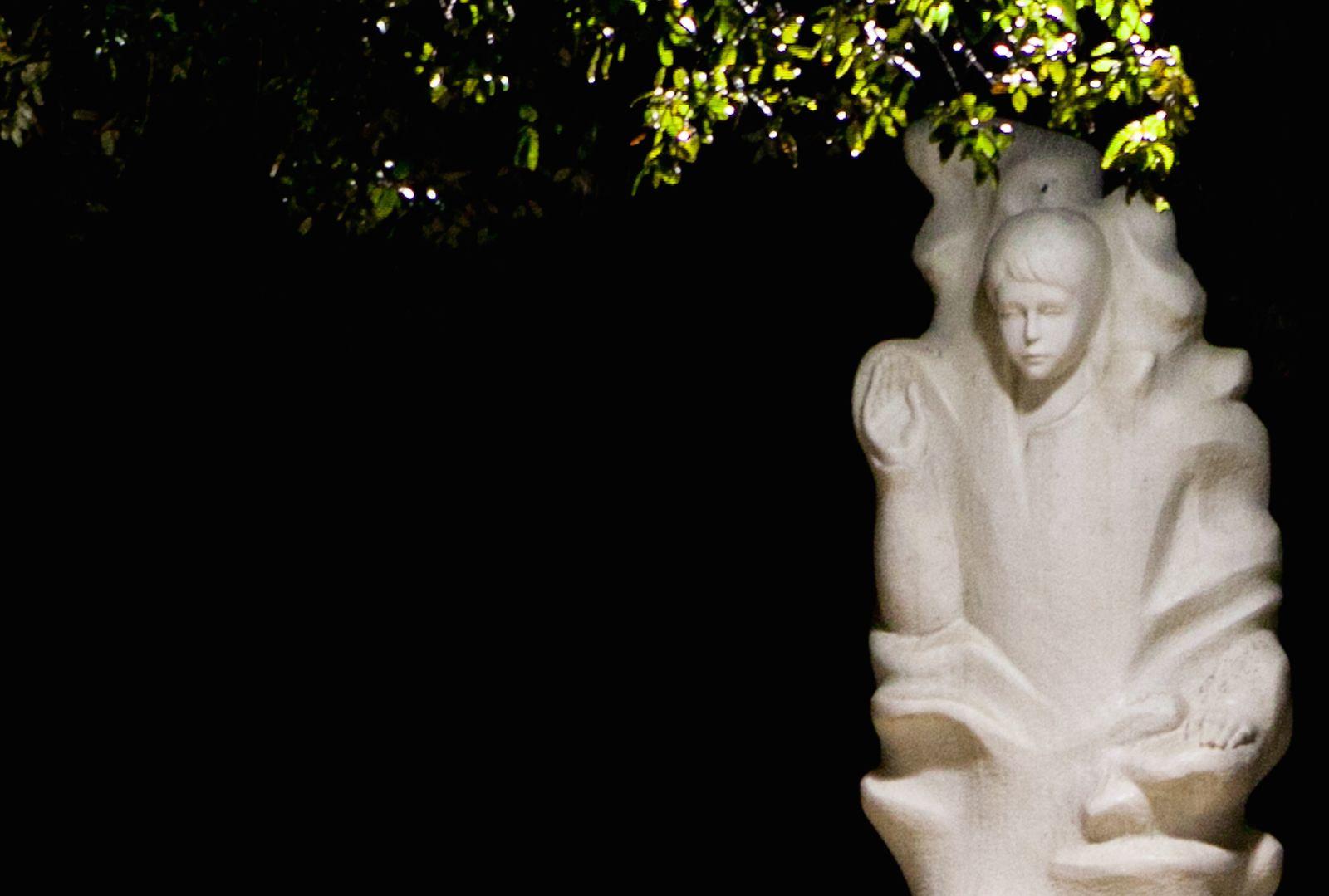 Cómo Apareció el Ángel de la Paz en Fátima y que Enseñó a los Videntes