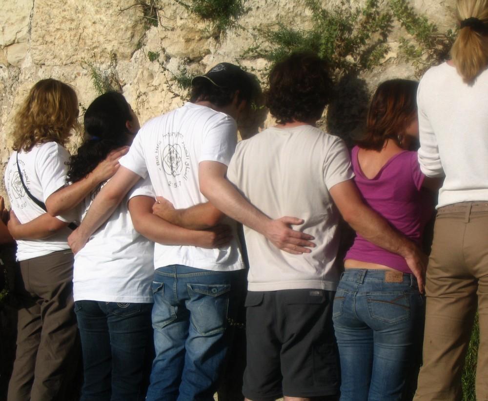jovenes orando