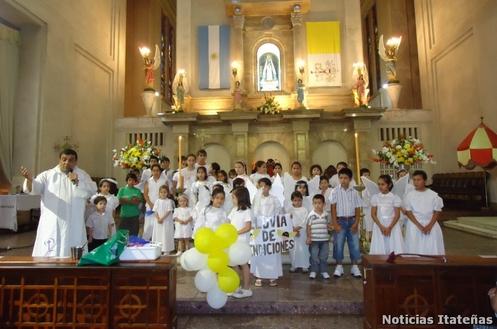 sacerdote con angeles somos