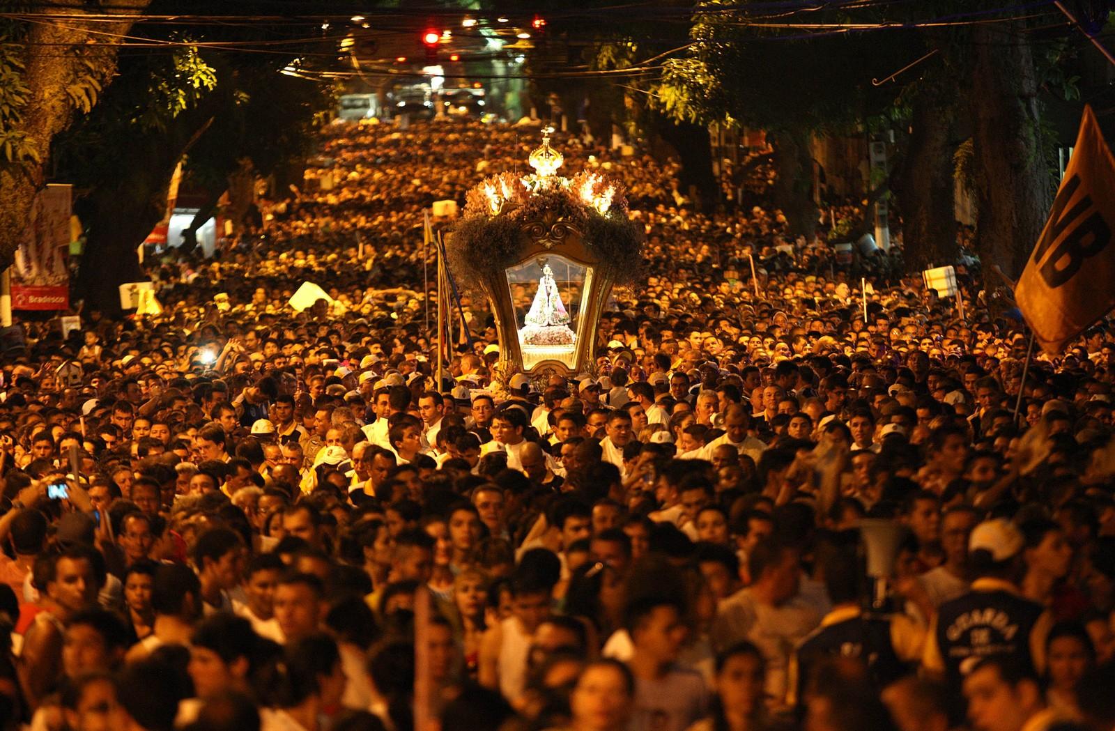 La más Multitudinaria del Mundo: Nuestra Señora de Nazaré de Belem, Brasil (2º dom octubre)