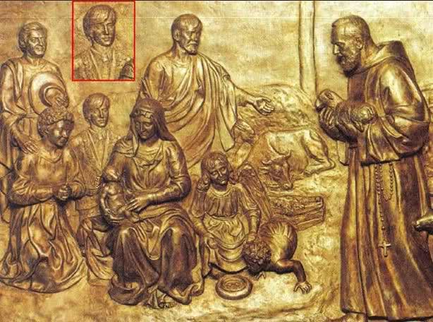 Bajoerrelieve de la Cripta del Padre Pio con Aimón