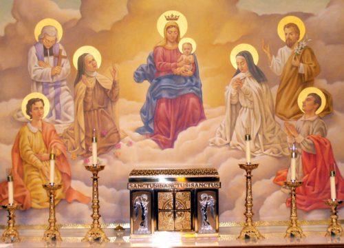 Maria rodeada de santo y con el tabernaculo abajo