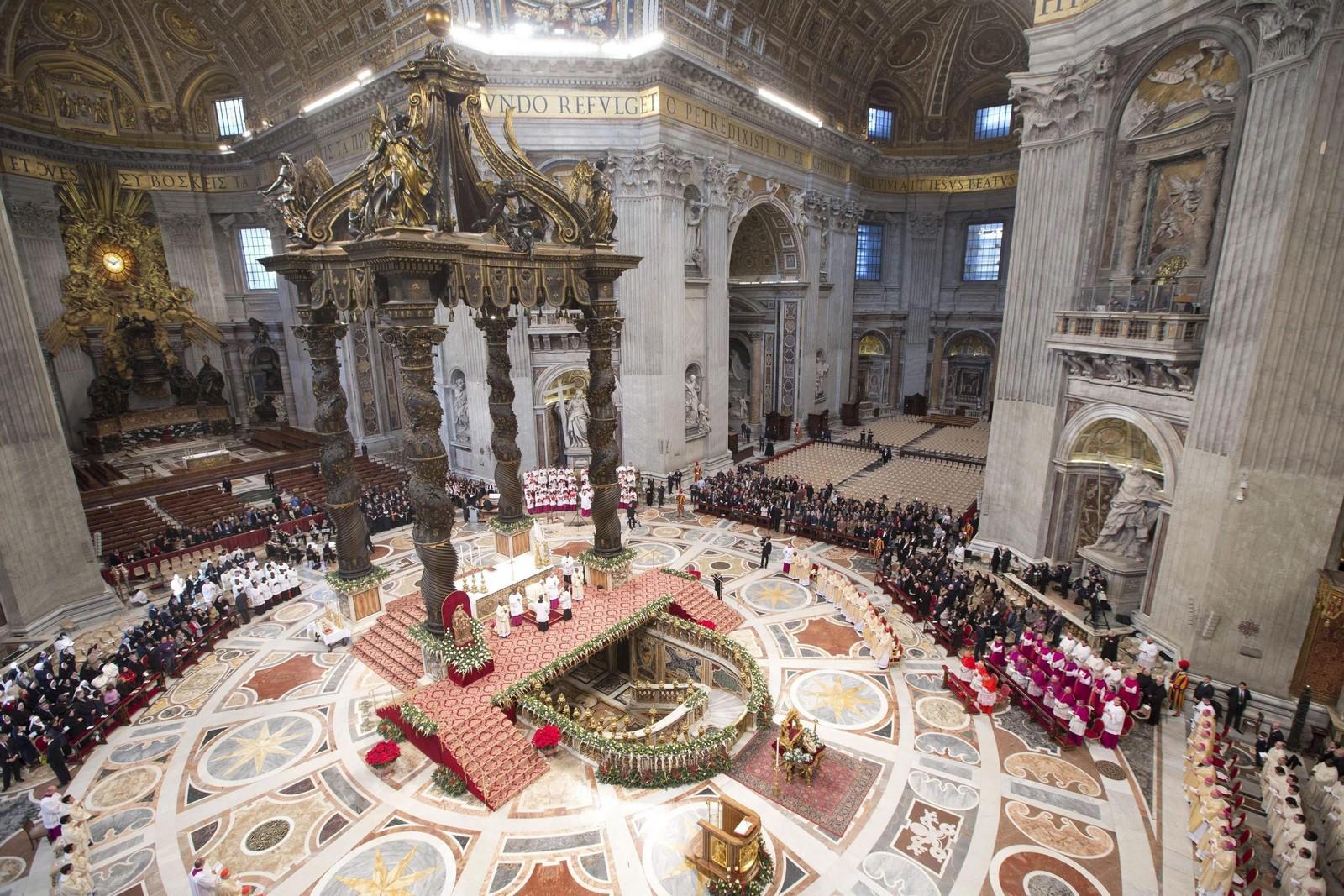 Basílica de San Pedro, el Edificio Más Importante del Catolicismo, Italia (18 nov)