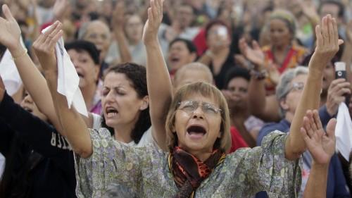 culto de iglesia pentecostal en brasil fondo