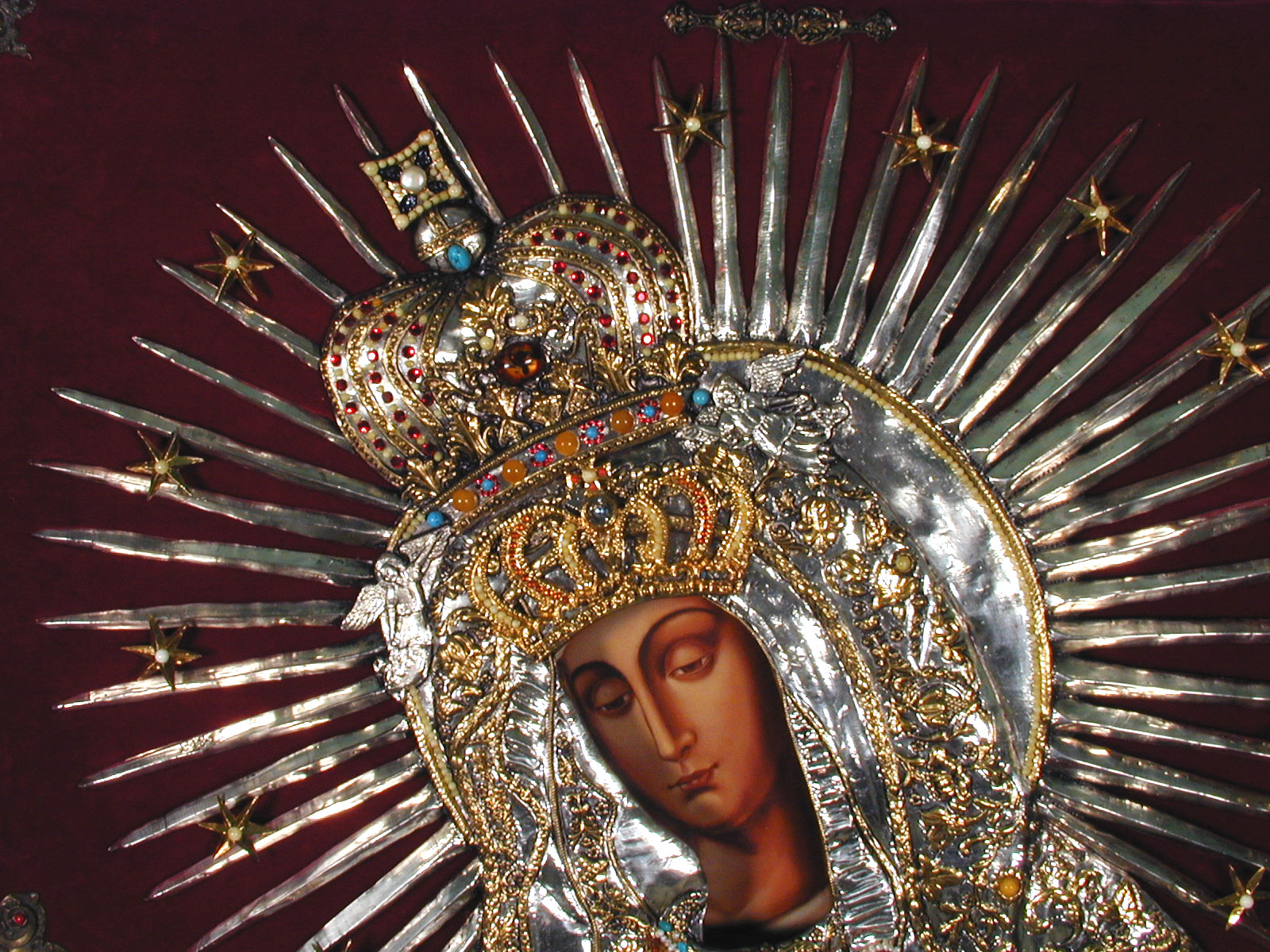 Madre de la Misericordia, donde nació el Jesús de la Misericordia, Lituania (16 nov, 25 mar)
