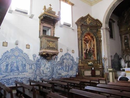 interior iglesia cacilhas