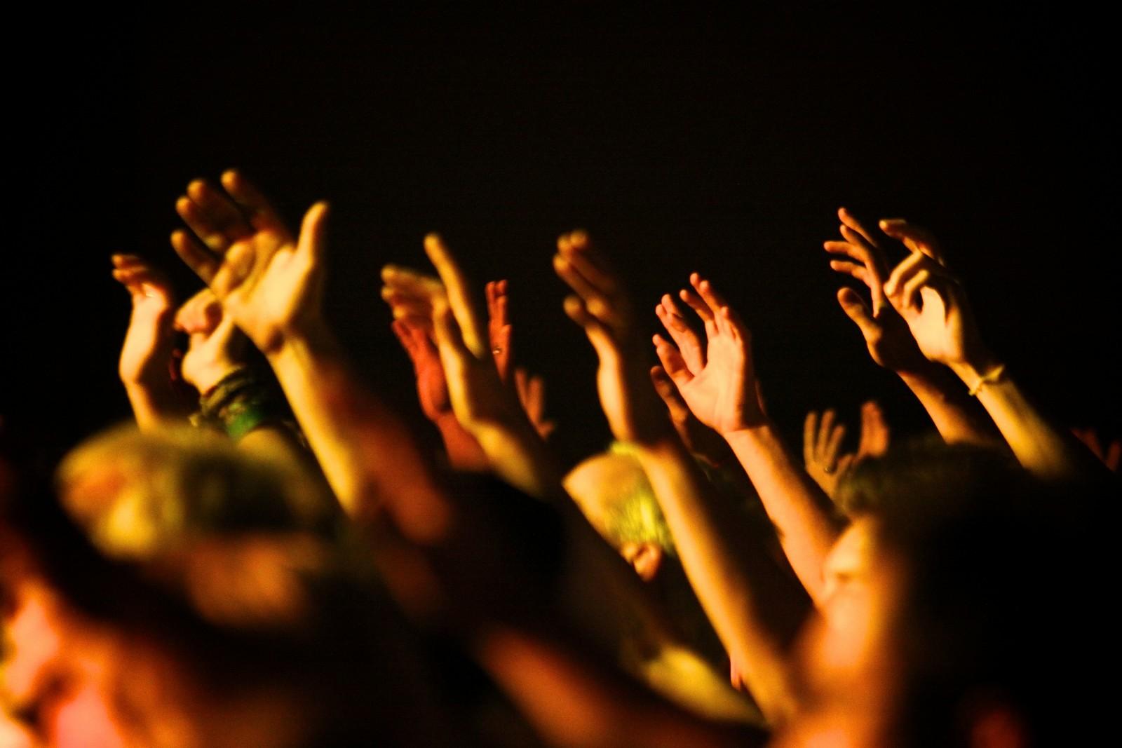Crecen los Pentecostales y Caen los Católicos en Latinoamérica [¿por qué?]