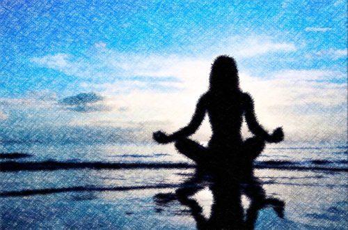 mujer meditando estilo new age