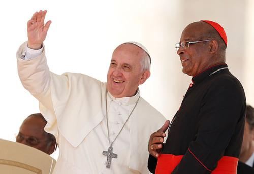 papa francisco y cardenal napier