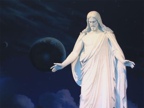 estatua de cristo en el templo de sal