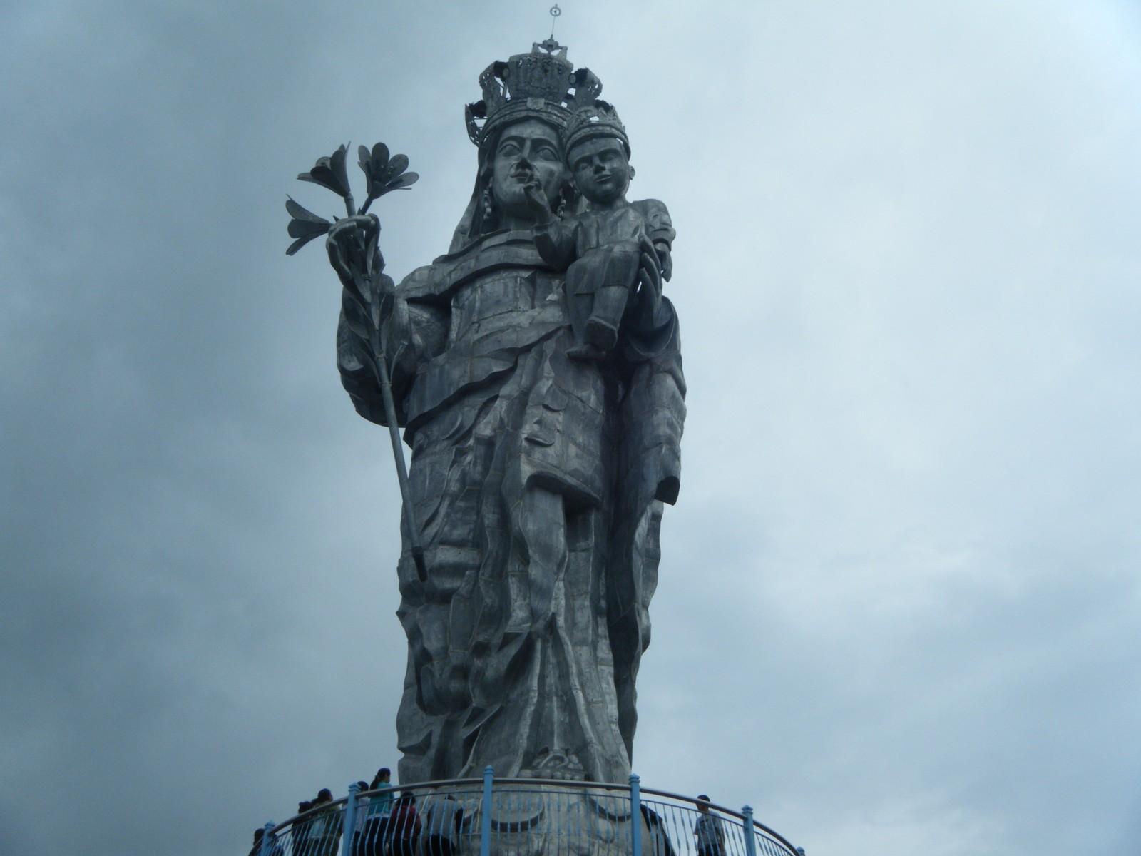 María Apareció entre las Nubes: Nuestra Señora de la Nube, Ecuador (1º de enero)