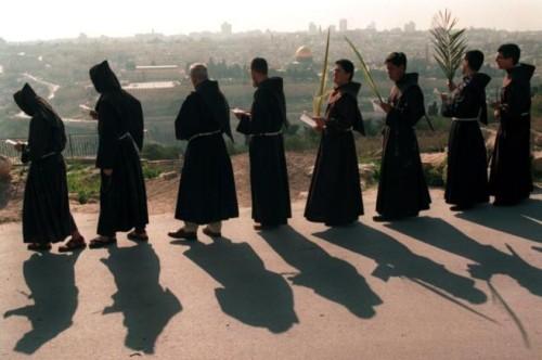 franciscanos en procesion