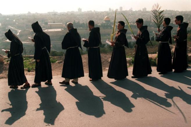 Manejos oscuros de los dineros llevan a los franciscanos al borde de la quiebra