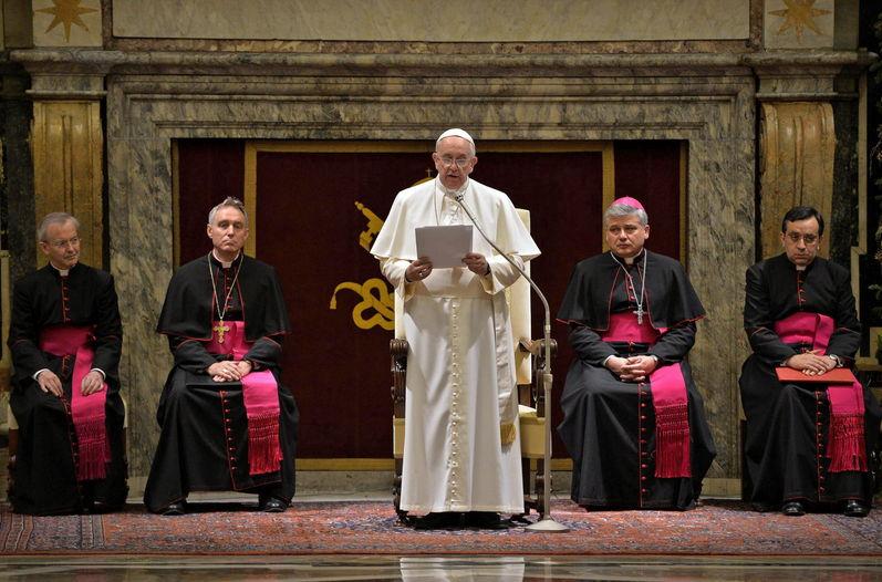 ¿Por qué el Papa 'cargó las tintas' sobre las enfermedades de la curia romana en el saludo de Navidad?