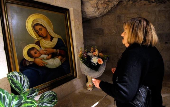 Nuestra Señora de la Leche y del Buen Parto, María Amamantando a Jesús (22 dic)