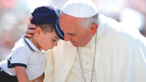 papa francisco y nino
